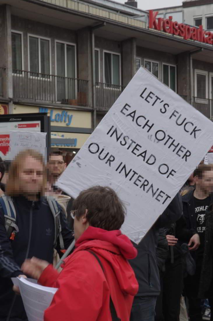 Demo-fuer-ein-freies-Internet_04