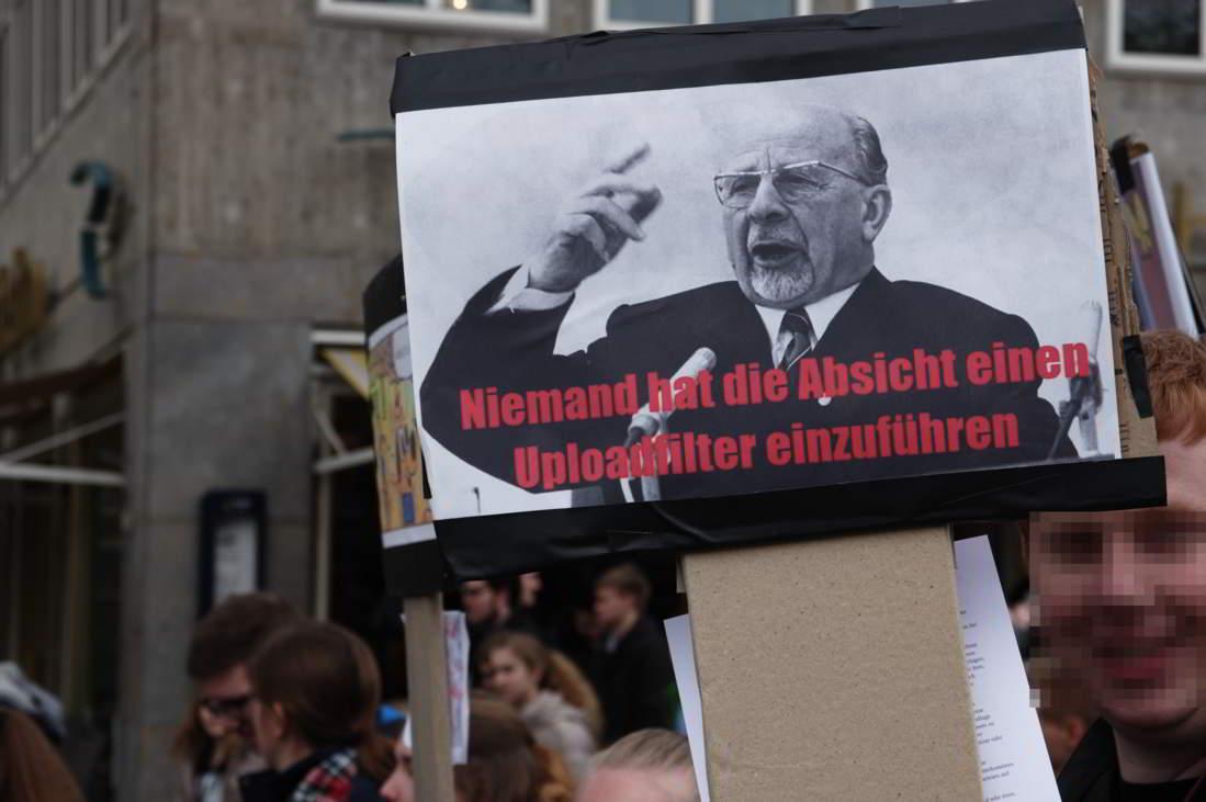 Demo-fuer-ein-freies-Internet_14